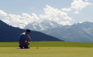 man playing golf in Verbier